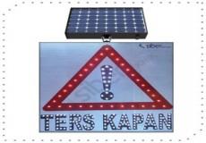 Güneş Enerjili Otopark Levhası Ters Kapan ST-1516